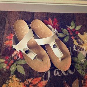 BLOWFISH ivory sandal